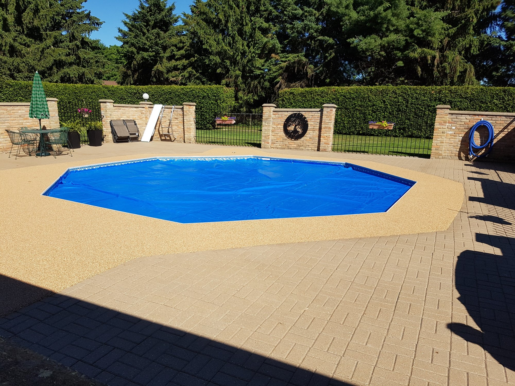 Outdoor Pool Deck Rubber Surfacing
